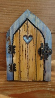Blue wash heart fairy door